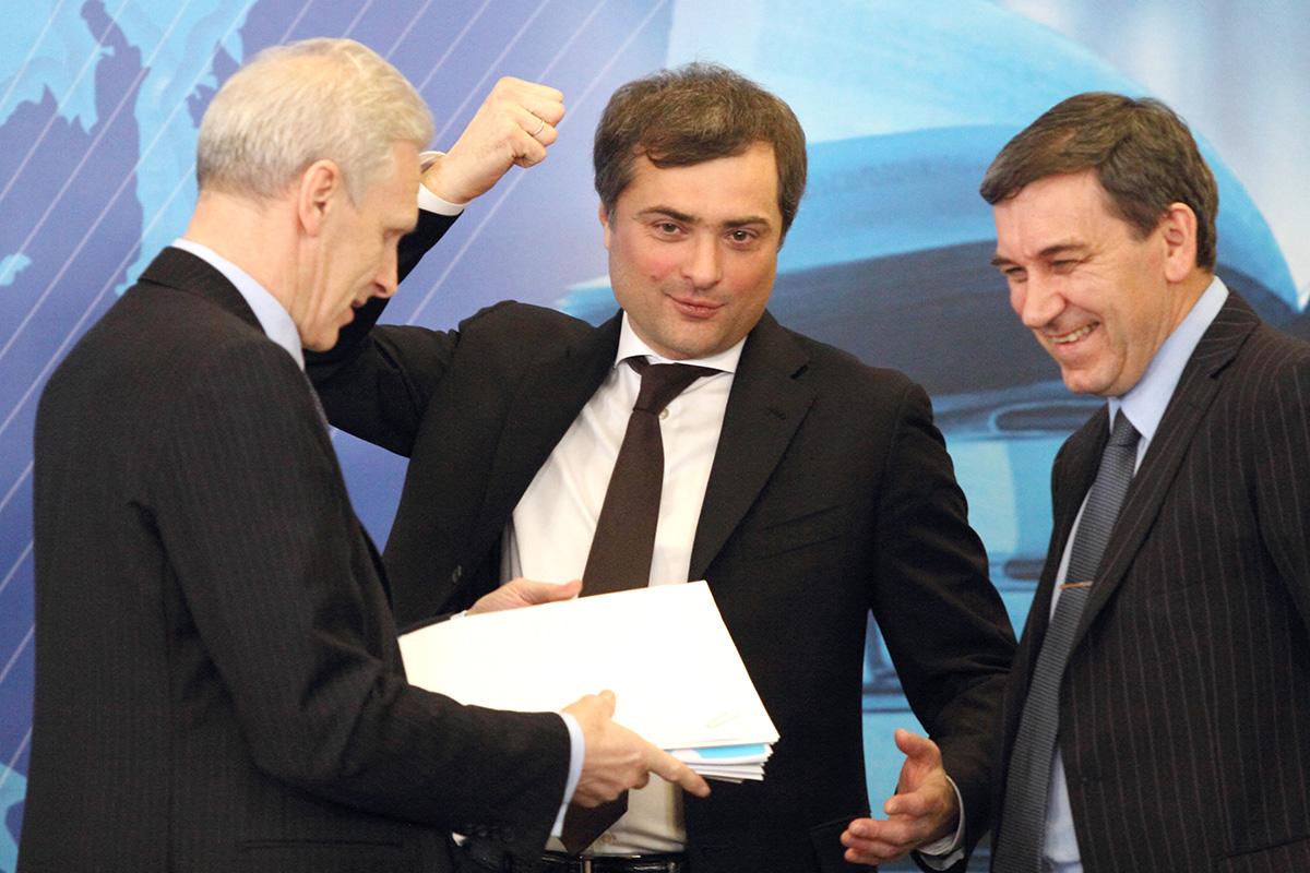 Сын Дудаева, сотрудник Ходорковского, кремлевский идеолог: почему Сурков ушел с госслужбы и что он будет делать дальше