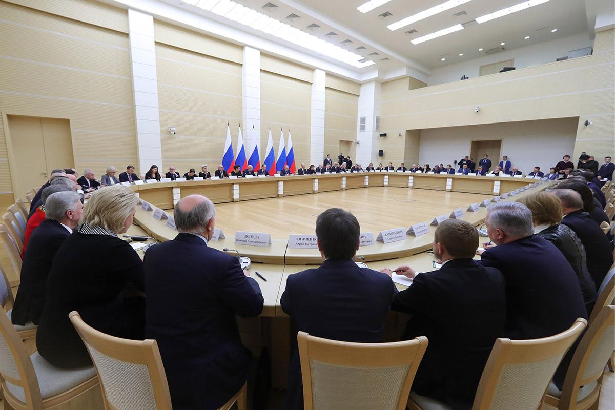 Конституционный парадокс Путина: три возможных решения